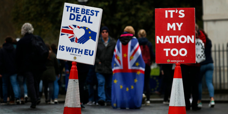 За секој случај – Лондон закажа европски избори за 23 мај