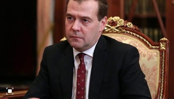 Медведев доаѓа во Белград