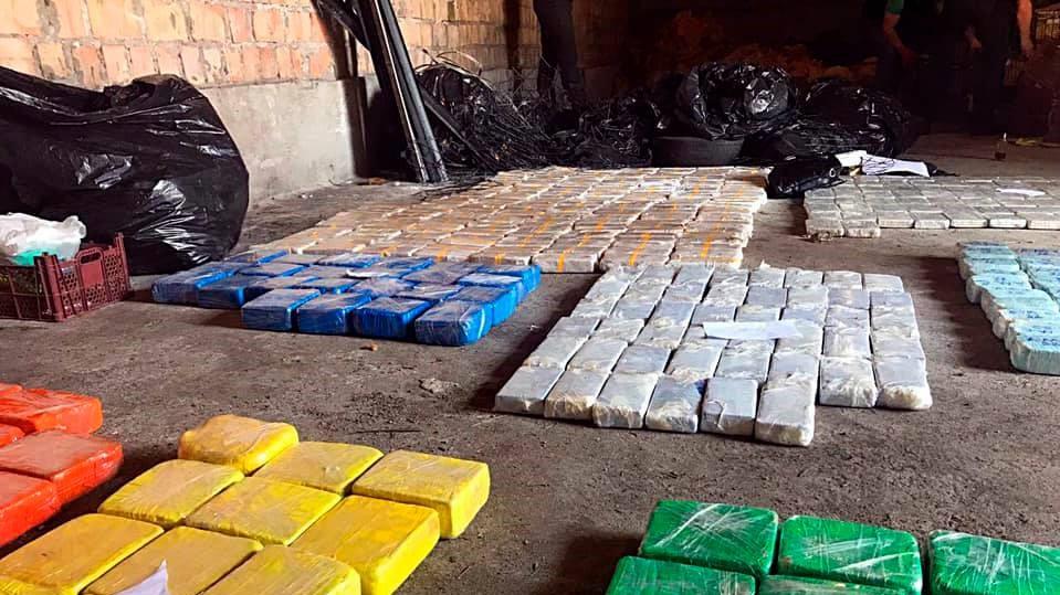 Двајца Македонци уапсени во Украина во шверц на 600 килограми хероин (ВИДЕО)