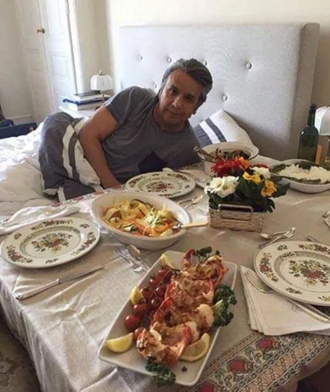Дали поради оваа фотографија Асанж беше набркан од амбасадата?