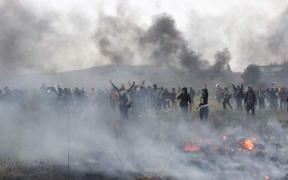 """""""Отворете ја границата!"""" –  извикуваа мигрантите кои повторно се судрија со полицијата"""