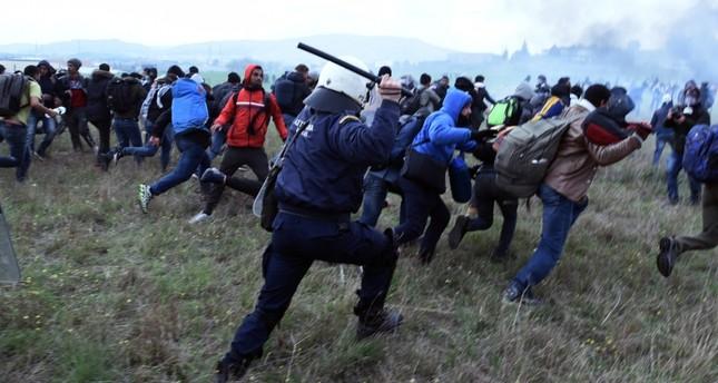 Мигрантската криза кај Солун е дело на криумчари