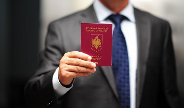 Холандскиот Парламент изгласа суспензија на визниот режим за Албанија