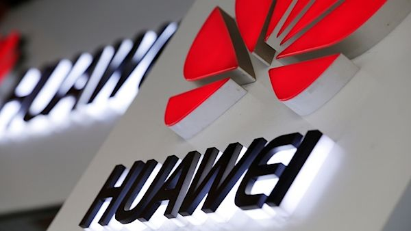 САД велат дека можеби ќе намалат некои од ограничувањата кон Хуавеј