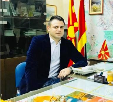 Заев за советникот: Александар Ружин е млад човек, добро образован и може да помогне