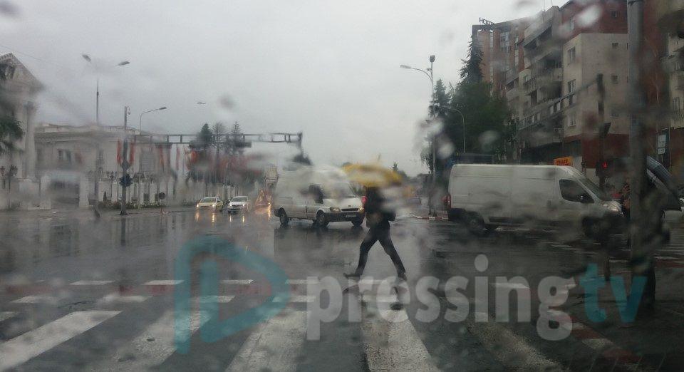 Циклон доаѓа кон Македонија-следуваат интензивни врнежи