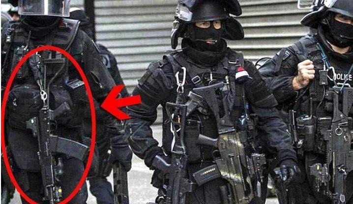 Француските специјалци користат руски сачмарки (ФОТО)