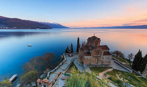 УНЕСКО објави извештај со критики на 125 станици: Охридскиот регион да се стави на листата на светско наследство во опасност