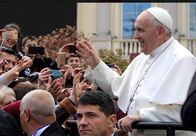 Папата Франциск: Koсово не е држава туку област