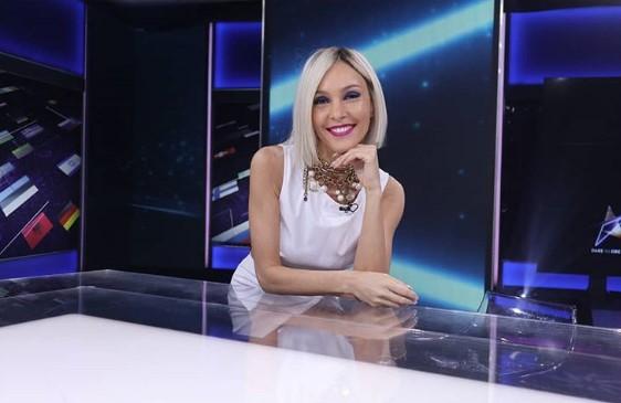 Претставничката на Кипар на Евросонг родила дете на само 14 години (ВИДЕО)