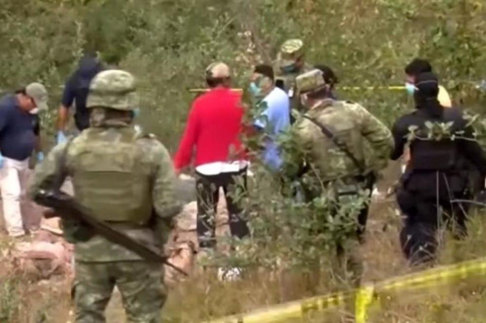 Страв и ужас во Мексико: Пронајдени 35 тела во јама полевани со киселина