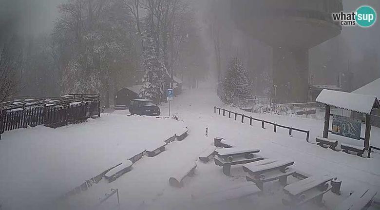 Во Хрватска вее снег – снежна идила на Сљеме