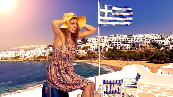 Грција за половина година од туризмот заработила 5,5 милијарди евра