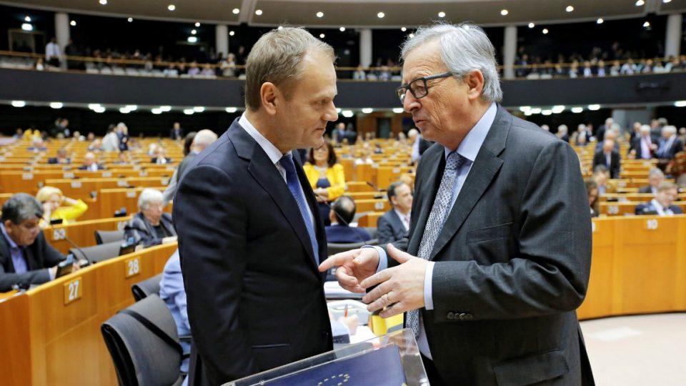 Туск и Јункер со отпремнина од половина милион евра кога ќе си заминат од функцијата