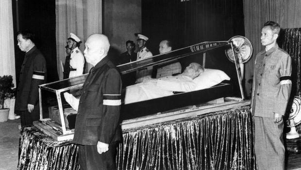 Руски експерти ќе ја спасуваат мумијата на Хо Ши Мин