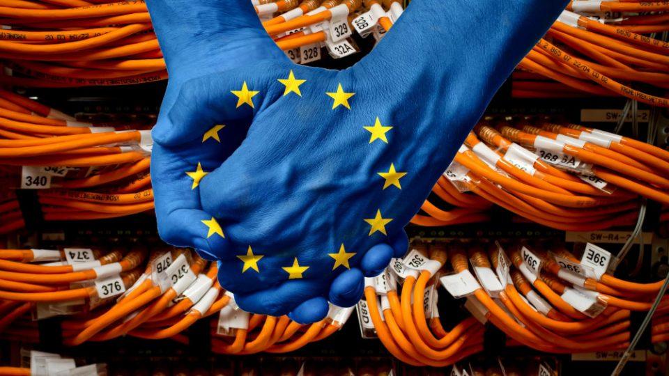 Секој единаесетти Европеец никогаш не користел Интернет