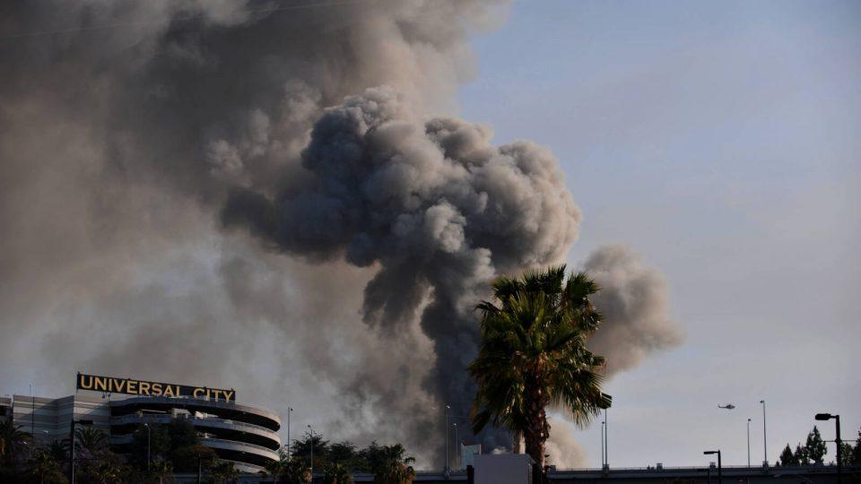 Во пожарот во Холивуд во 2008 изгореле 500.000 песни, во пепел оригинали на Кет Стивенс, Нирвана, Клептон…