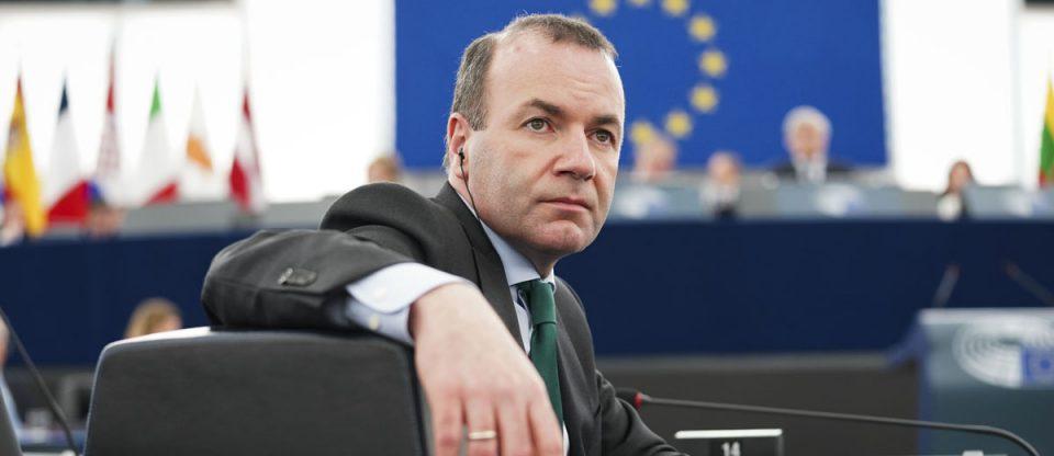 Се скршија копјата во Брисел – извиси кандидатот на Меркел