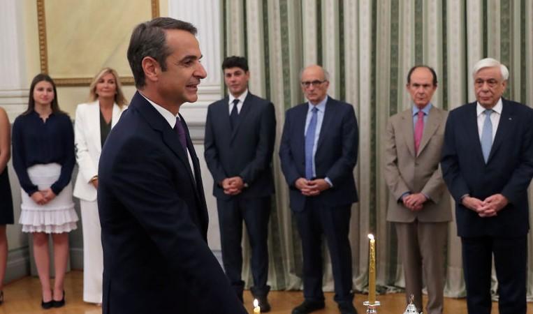 Мицотакис им подели коверти  со задачи на членовите на неговиот кабинет