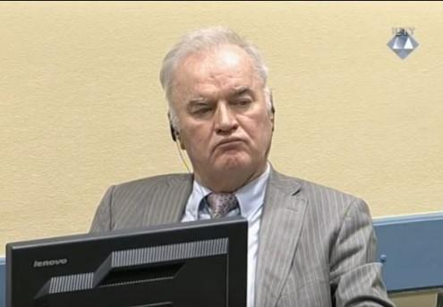 Префрлен е во болница: На Ратко Младиќ му се слоши