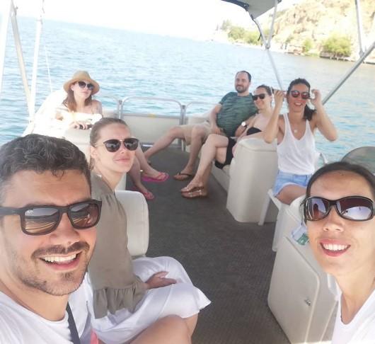 Ја обожува Македонија: Коментаторот на Арена со сопругата летува во Охрид (ФОТО)