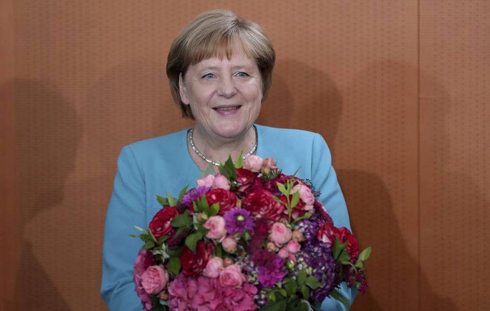 Ангела Меркел – стабилна жена чие тресење ја загрижи нацијата