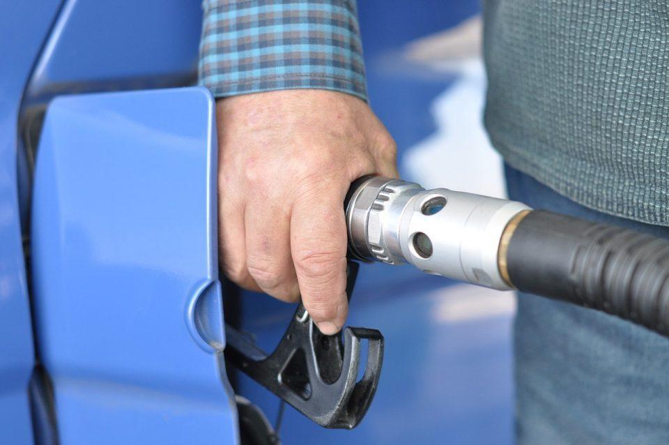 Бензините и дизелот неделава остануваат со непроменета цена