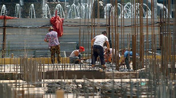 Во Скопје приведени државјани на Косово, Албанија и Турција: Работеле на црно  на градежни објекти