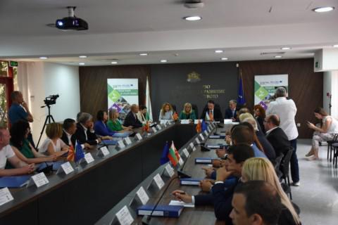 Македонија и Бугарија ќе реализираат проекти за конкурентност, туризам и животна средина