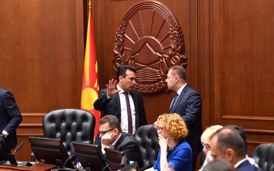Заев најавува смени на заменици министри и директори