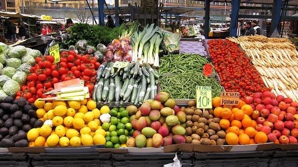 Скокнаа цените на доматите, зелката, краставиците, бостанот
