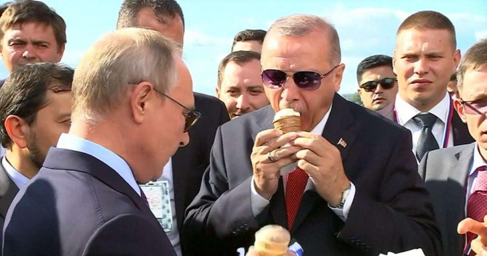 Ќе платиш ли и за мене?: Путин му купи сладолед на Ердоган (ВИДЕО)