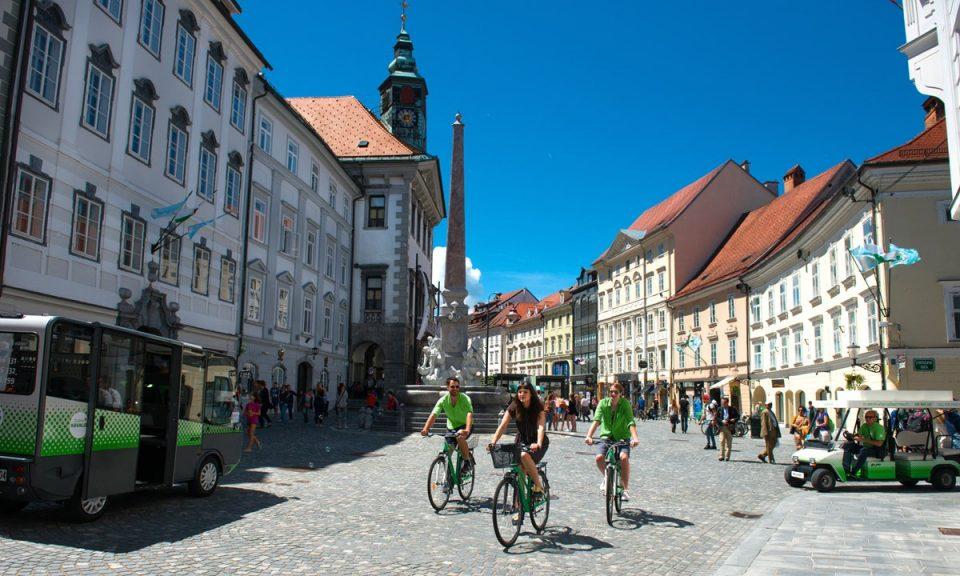 Словенија ги олабавува мерките – 100 луѓе ќе можат да се соберат на едно место