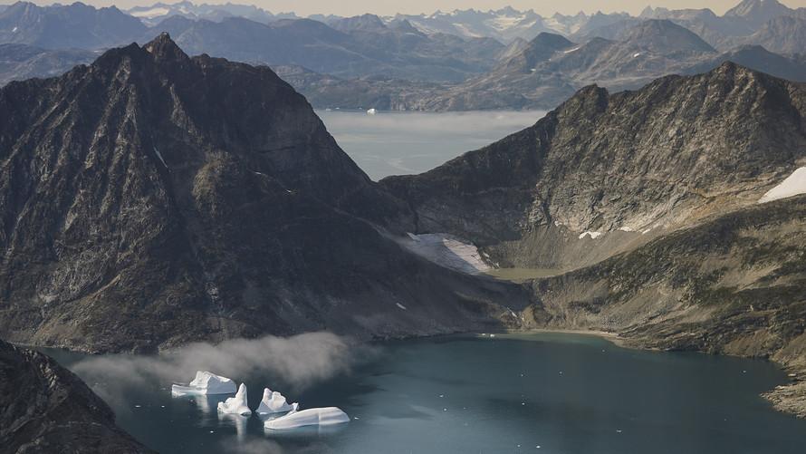 Научниците од НАСА го следат топењето на мразот на Гренланд и наодите не се добри