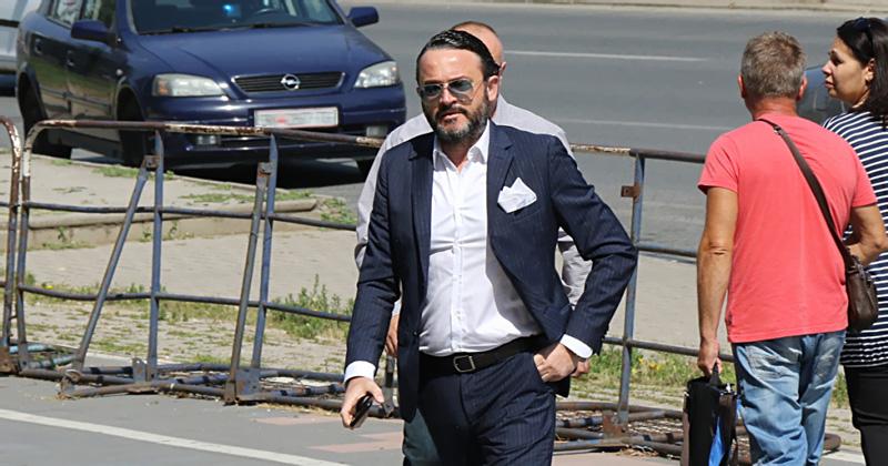 """Орце Камчев е на  јахта во Варна, додека врие аферата """"Рекет"""" во Македонија"""