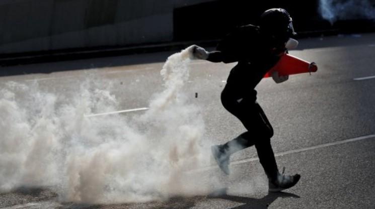 """""""Канвас"""" стои зад протестите во Хонг Конг?"""