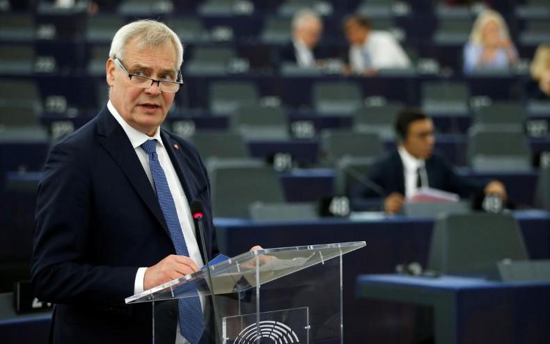 Финскиот премиер му порача на британскиот колега Џонсон дека ЕУ нема да  преговара за Брегзит
