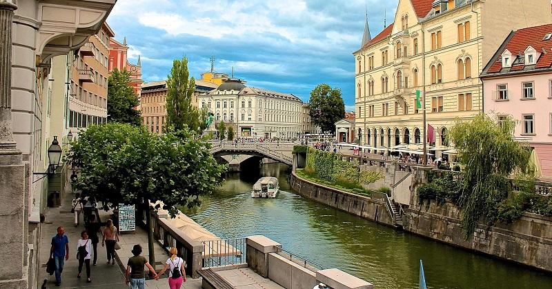 Затвор па протерување за мигрантите кои киднапираа Словенец