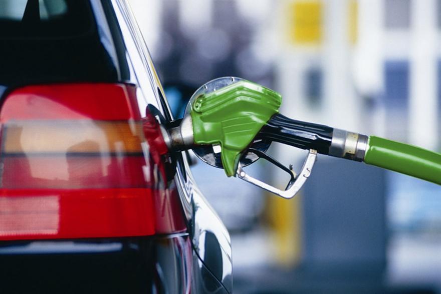 Поскапуваат нафтените деривати