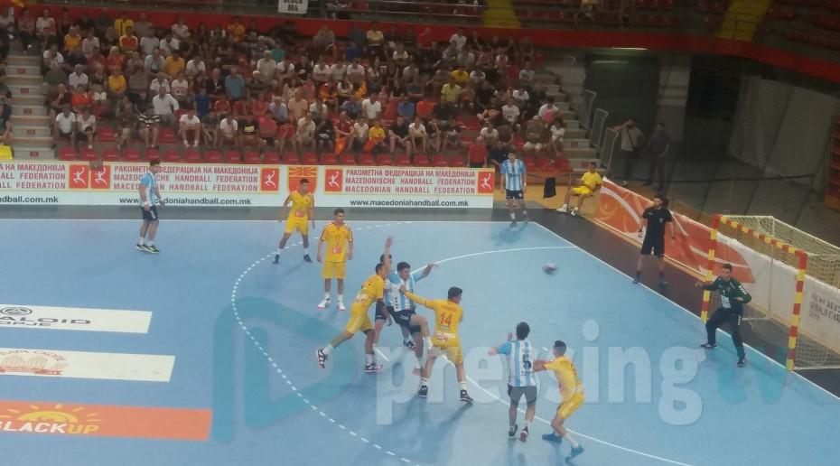По срамот од Аргентина, Македонија денеска игра со Нигерија