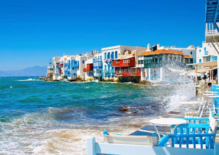 Инспектори од грчката УЈП се претставиле како шпански туристи за да откријат затајувач на данок на Миконос