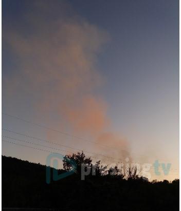 Сообраќајот во прекин: Пожар кај каменоломот на Плетвар