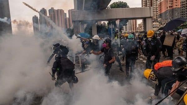 На протестите во Хонг Конг уапсени вкупно 420 демонстранти