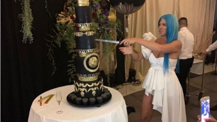 """Карлеуша за својот роденден доби""""Версаче"""" торта (ВИДЕО)"""