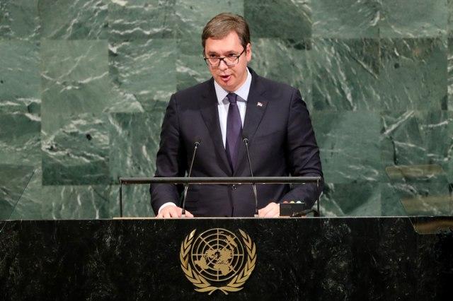 Вучиќ: Србија не учествува во кампањата против Макрон затоа што не дозволи преговори со Македонија и Албанија