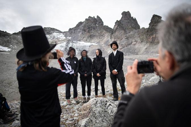 Во Швајцарија одржан погреб за исчезнат глечер (ФОТО)