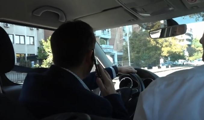 Сообраќајна казна за Бујар Османи – преминал преку полна линија додека прегледуваше двојазичност на таблите на институциите