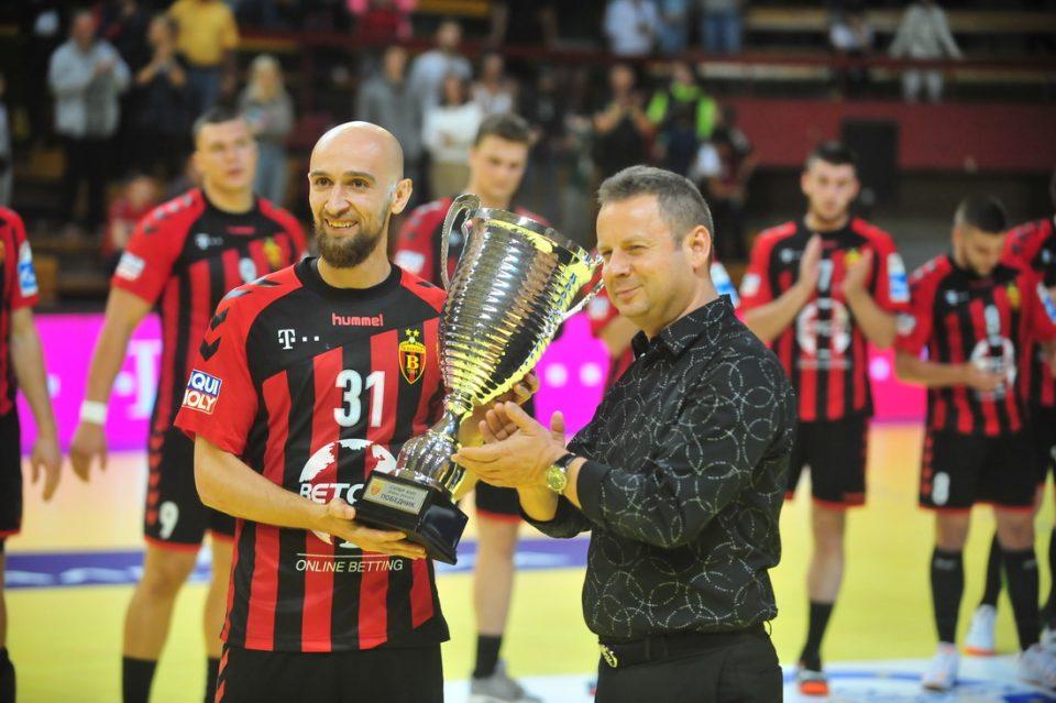 Прв трофеј во новата сезона: Вардар посилен од Металург