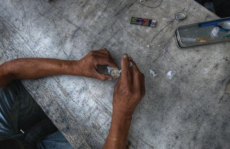 Кокаин за сиромашни: Евтина дрога се шири низ Грција, чини евро – две