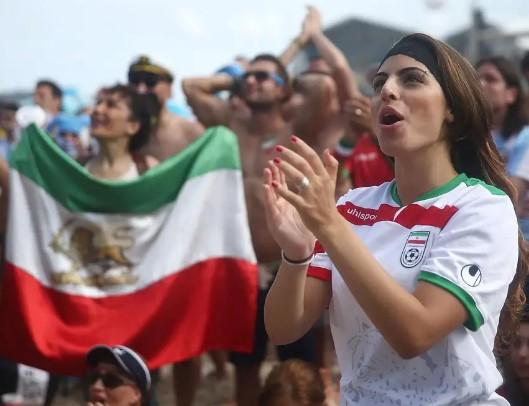 Ќе имаат одделни влезови и трибини: Иранките слободно ќе можат да доаѓаат на фудбал